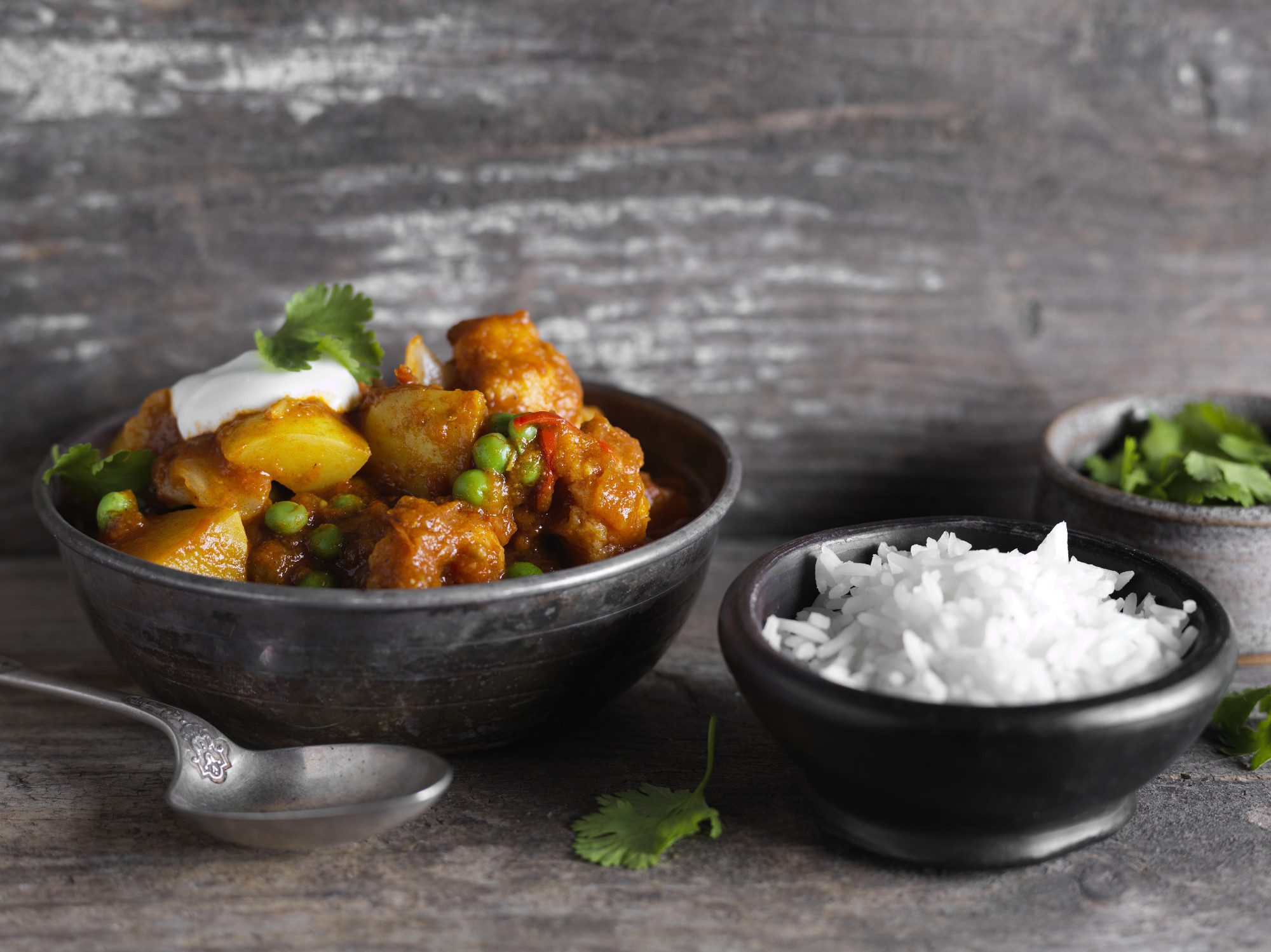 Cauliflower, Pea & Potato Curry