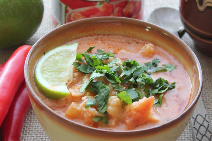 Curry z dorsza (sos pomidorowy z mleczkiem kokosowym)